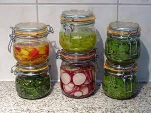 Variatie aan gefermenteerde groenten.